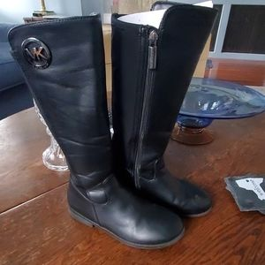 Micheal Kors Childs EmmaLily zip up boots